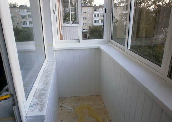 Остекление балкона в хрущевке в Чекалин под ключ по недорого.